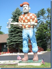4833 Michigan - Manistique, MI - US-2 - Paul Bunyan Statue