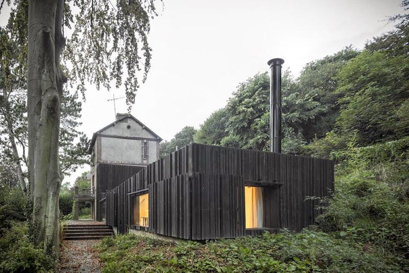 10-black-wood-house-marchi-architectes.jpg