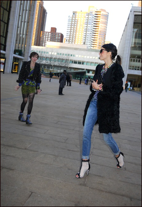 peek a boo toe ankle boots black fur coat jeans torn stocking biker jacket green black and blue print top  ol