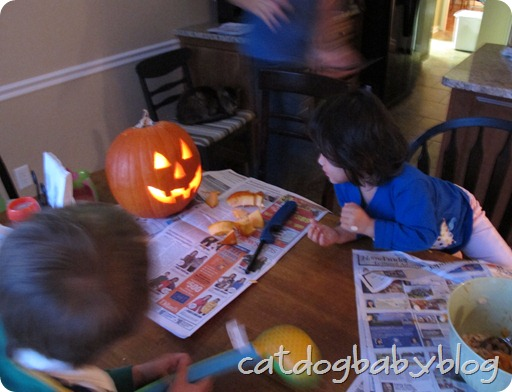 2012-10-28 pumpkin carving (24)