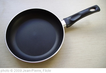 'Frying pan' photo (c) 2009, Jean-Pierre - license: http://creativecommons.org/licenses/by-sa/2.0/