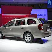 2014-Dacia-Logan-MCV-4.jpg
