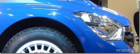 Dacia Lodgy MPV 04 - koplamp vanaf de zijkant