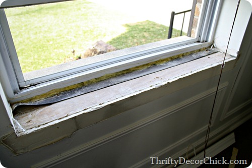 removing window sill & DIY craftsman window trim from Thrifty Decor Chick islam-shia.org