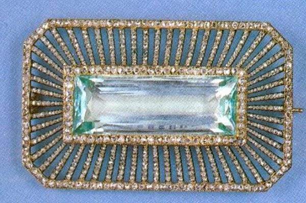Broche ruso de Faberge, regalo de la Zarina Alexandra feodorovna a su hermana la prncesa Irene de Prusia.