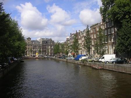 3. Canalele din Amsterdam.jpg