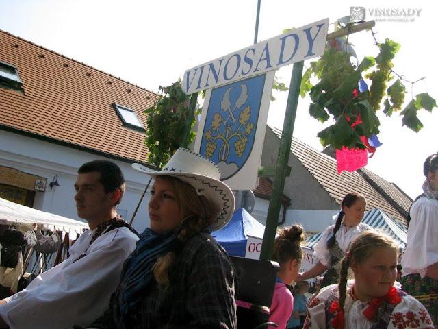 2011-vinobranie-modra-06.jpg