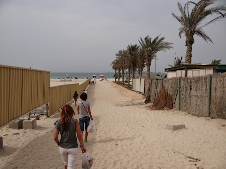 Spre plaja
