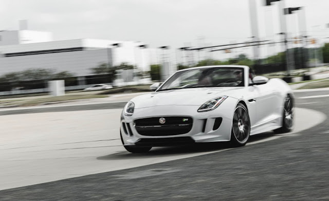 XE JAGUAR F TYPE COUPE 2017 02