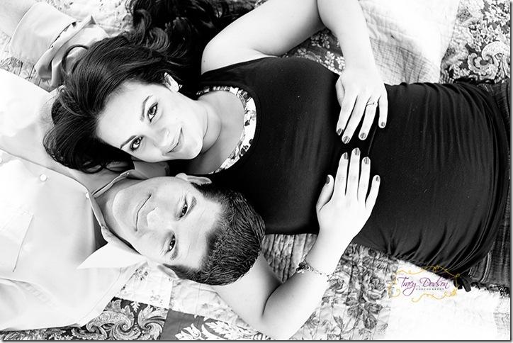 Pat & Eleni Maternity   217j bw
