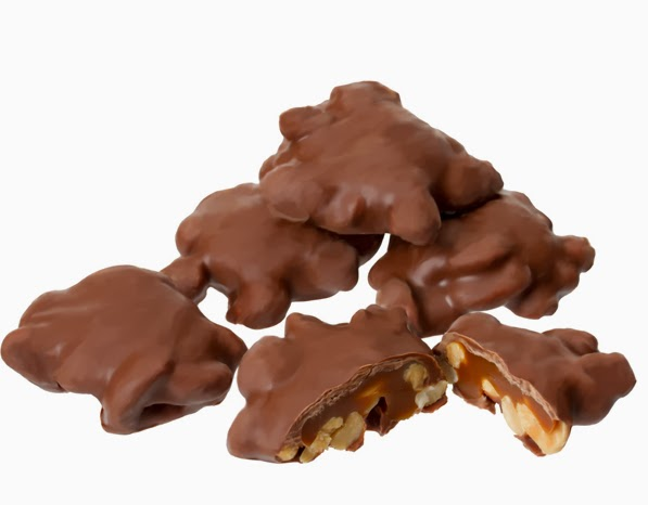 Brachs chocolate covered caramel peanut clusters candy 129757 w
