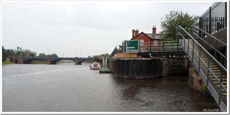 SAM_2601 Back on the river