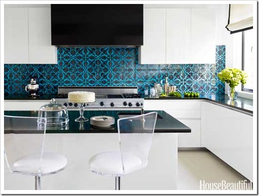 hbx-town-house-kitchen-blue-tile-black-splash-0512-thomas05-lgn