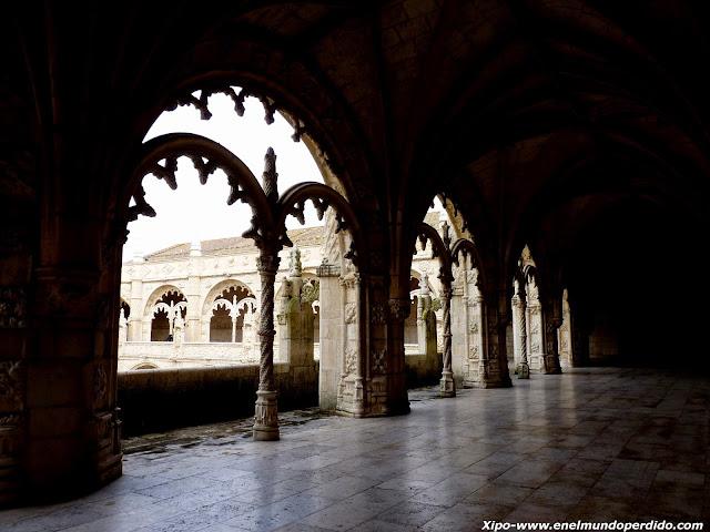 claustro-monasterio-jeronimos-belem-lisboa.JPG