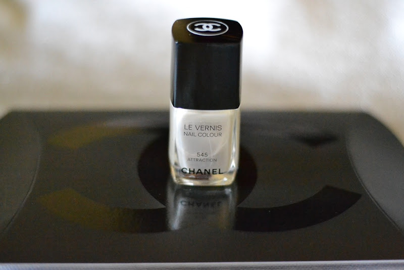 Chanel, Chanel Le Vernis, Chanel Nail Polish, Chanel Attraction, Chanel Nail Colour, Chanel 545, Attrection 545
