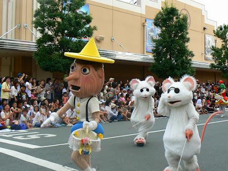 Imagini Universal Studios: Pinocchio si soriceii la Parada
