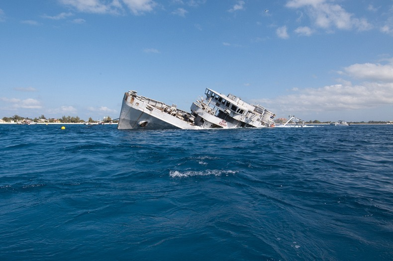 cayman-island-shipwreck-7
