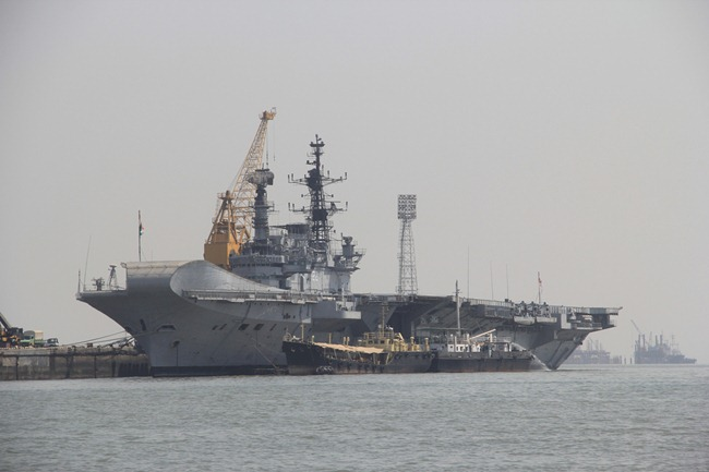 INS Viraat - Indian Navy Aircraft Carrier [Wallpaper material]