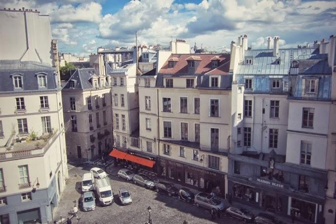 PLACE PETIT PERE PARIS