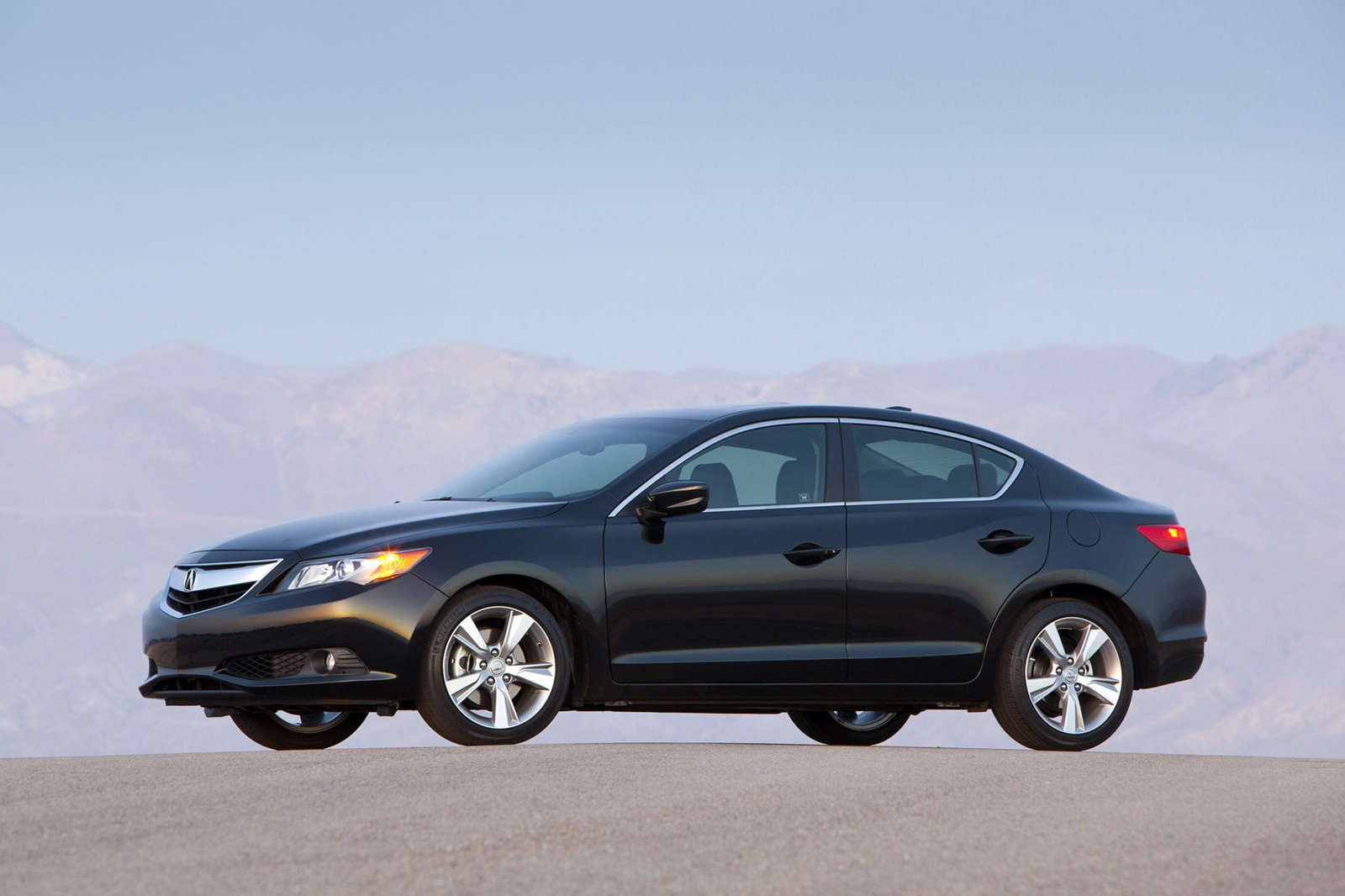 ... Acura ILX together with 2014 Ford Fusion Hybrid. on acura ilx dealer