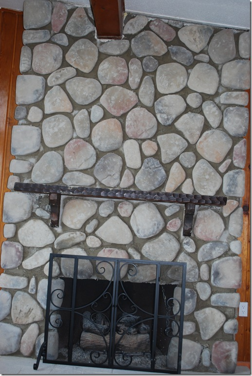 Cottage Fireplace 027