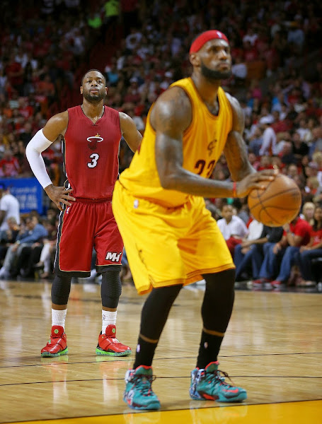 LBJ Wears 8220Christmas8221 Nike LeBron 12 in His Return to Miami