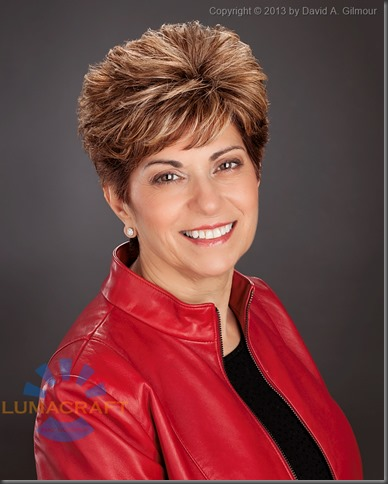 Portrait of real estate professional Mary, by Lumacraft Photography.