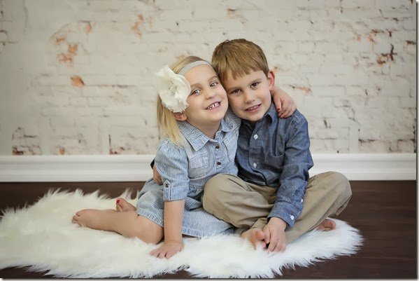 Sibling Photo - Lindsey Dutra Photography
