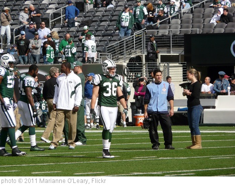 'New York Jets Safety Jim Leonhard' photo (c) 2011, Marianne O'Leary - license: http://creativecommons.org/licenses/by/2.0/