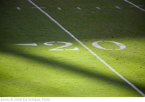 'The 20 Yard Line' photo (c) 2008, Ed Schipul - license: http://creativecommons.org/licenses/by-sa/2.0/