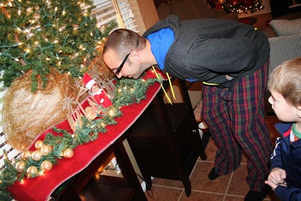 Christmastime begins 2011 074