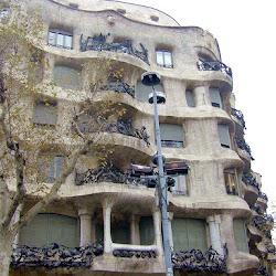 25.- Gaudí. Casa Mila
