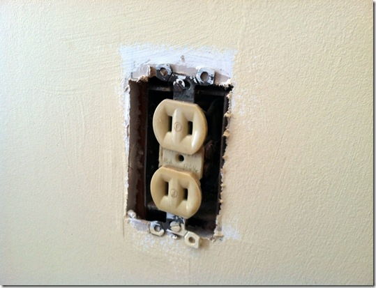 How to Replace and Outlet_15