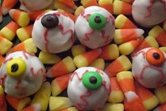 Hallowe'en Butterfinger Eyes