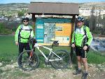 Alberto y Carlos en la Vía Verde del Tajuña, Ambite (Madrid)