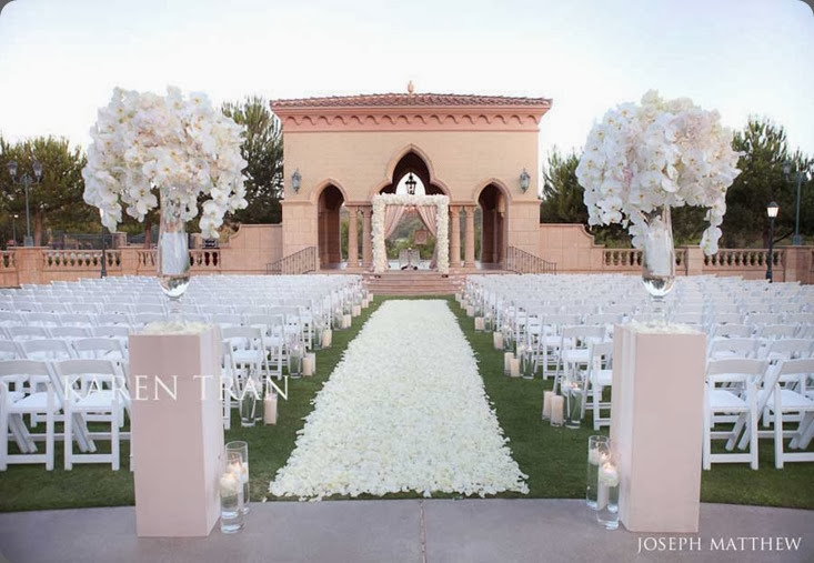 white The-Grand-Del-Mar-Aria-lawn-wedding karen tran
