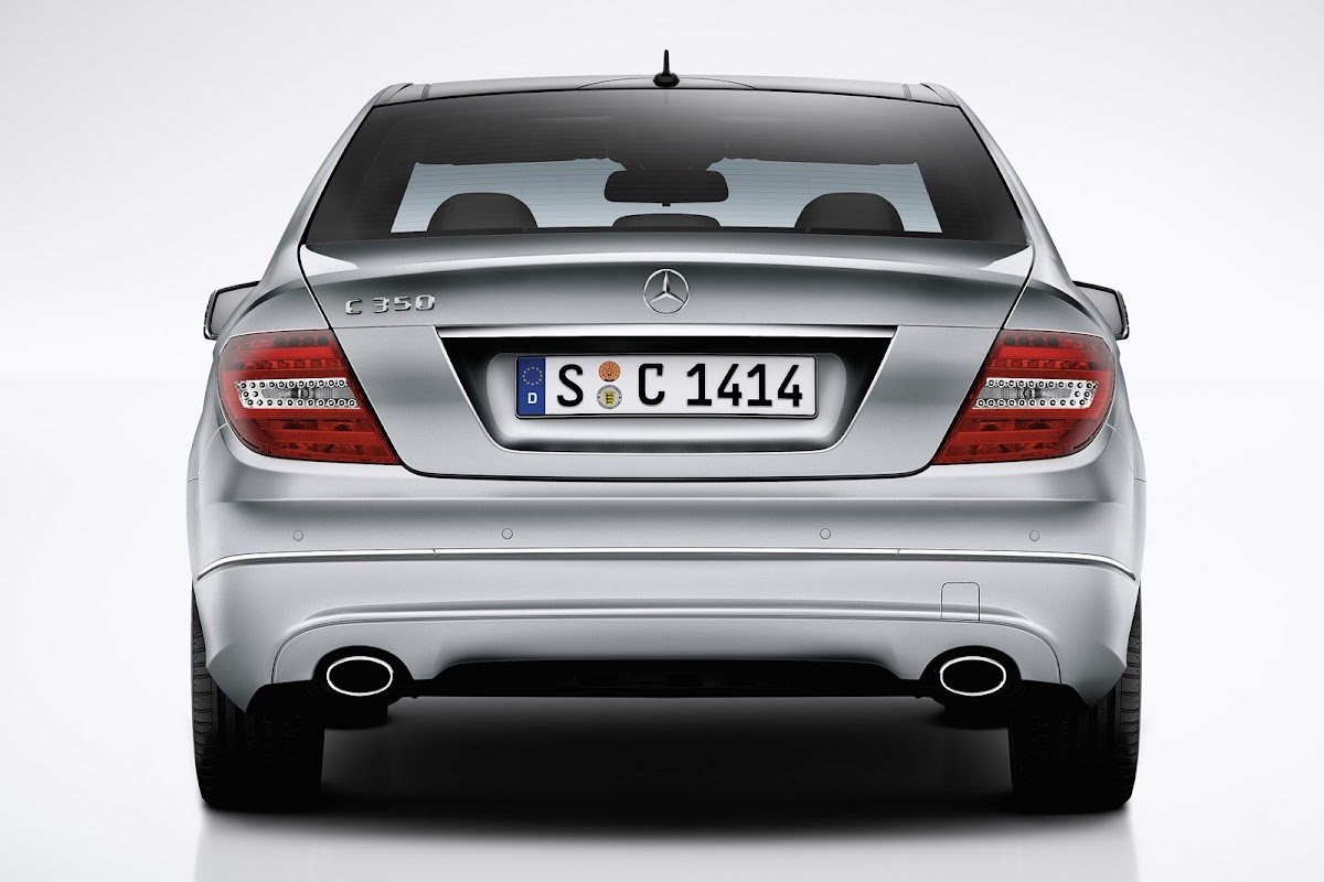 New Mercedes CClass W205 Visually Compared to Old CClass W204