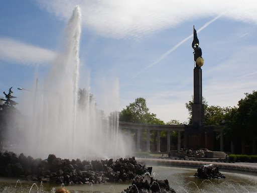 Vienna - Fountain at Schwarzenbergplatz.