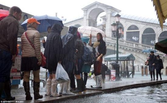Veneza - enchente (6)