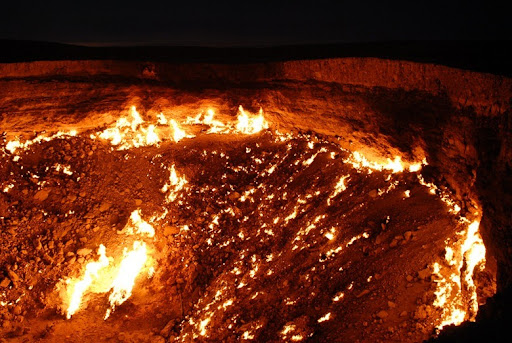 door-to-hell6 & The Door to Hell - Burning Gas Crater in Darvaza Turkmenistan ...