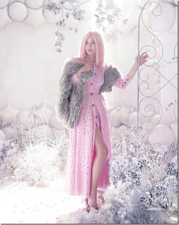 elizabeth-olsen-pink-4