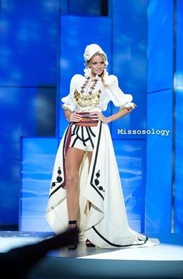 miss-uni-2011-costumes-19