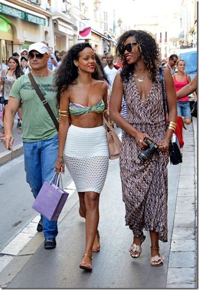Rihanna shows a lot of skin zz90uf1KB5hl