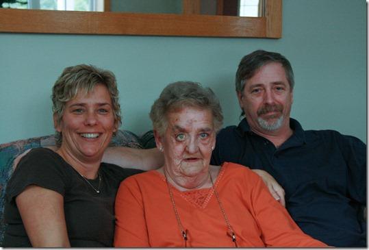 12-26-10 me mom bill