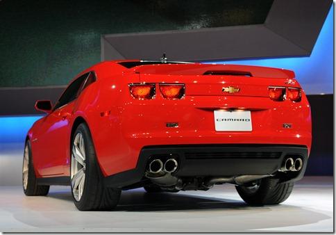 2012-Chevrolet-Camaro-ZL1-rear_63