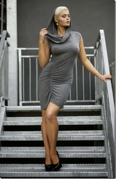 skin-tight-dresses-033