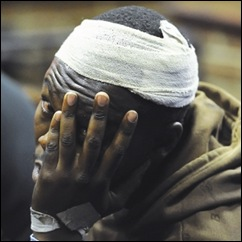 NINJA SWORD ATTACKER CAPTURED BEATEN UP BY TAXI DRIVERS DONALD MOHANELI 33 BLOEMFONTEIN HOSPITAL OCT82011