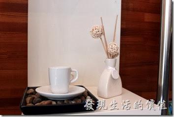 台南-綠帕克咖啡館。餐廳內的裝潢。