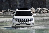 2014-Toyota-Land-Cruiser-Prado-09.jpg