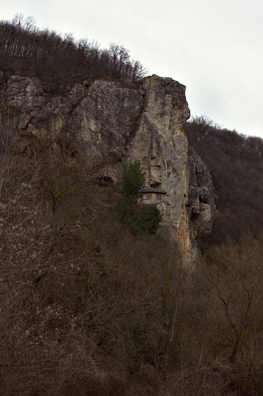 Biserica din stanca de la Basarbovo.